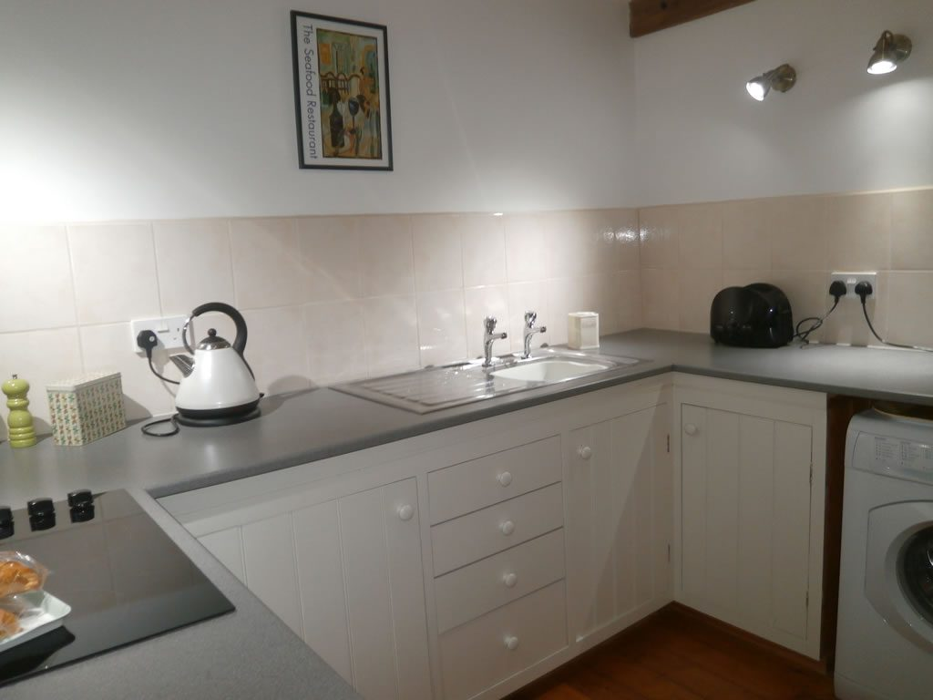 Fully Fitted Kitchen - self catering